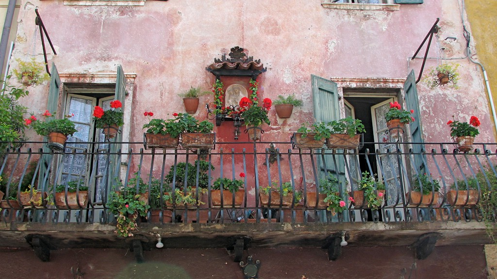 balcony with flowers21